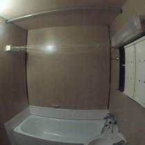 Původní panelákové jádro - koupelna